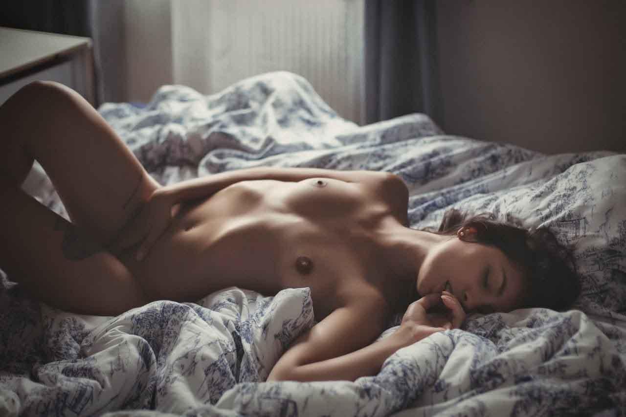 masturbation-femme-sexy-nue